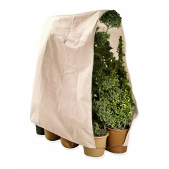 XXL-Winterschutz für Pflanzen mit lichtdurchlässigen Vlies