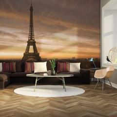 Artgeist Fototapete - Der Eiffelturm im Morgentau