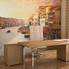 Artgeist Fototapete - Venedig - die bunte Stadt auf Wasser