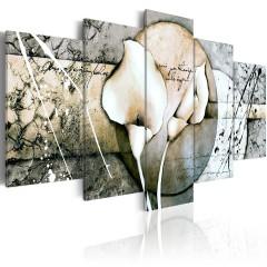 Artgeist Wandbild - The Secret of Calla Lily - Grey