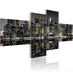 Artgeist Wandbild - Goldener Schein der Wolkenkratzer