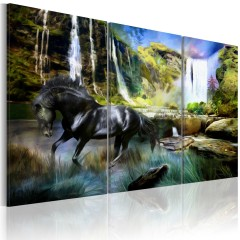 Artgeist Wandbild - Pferd vor dem Hintergrund eines Wasserfalls